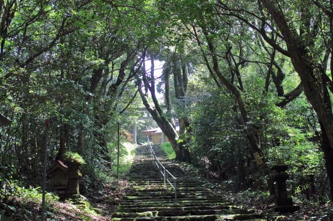 Staircase to Hananonamida shrine on Kinpo Mountain.