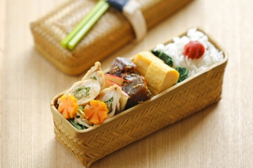 Most Bento Boxes Can Be Found In 100 Yen Shop Japan