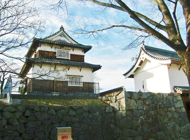 Fukuoka castle turrets standing tall inside Maizuru Park throughout history