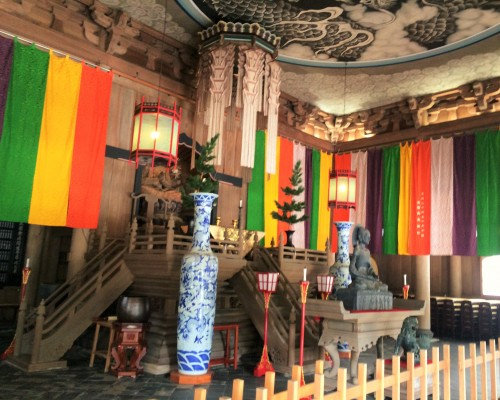Colorful decoration among temple grounds, Zen monastery Kencho-ji