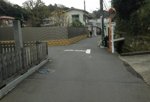 More walking towards a temple or two by Kamegayatsuzaka Pass, Kamakura