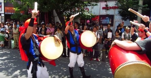 Okinawa: Eisa dancers line up to perform eisa dancing