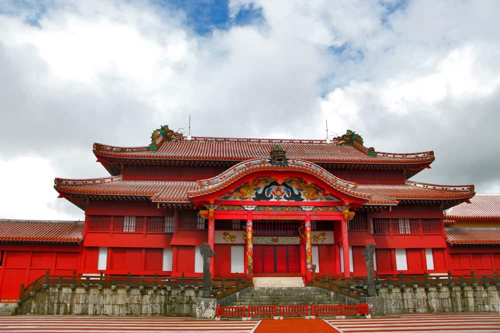 Shuri-jo Castle: Strolling around in the past Okinawa.