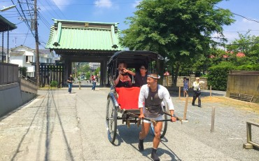 Exploring Kamakura with a rickshaw tour