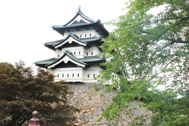 Hirosaki Castle, unforgettable views of sakura!