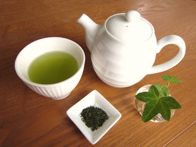 Green tea is Japanese tea and the healthiest beverage on the planet.