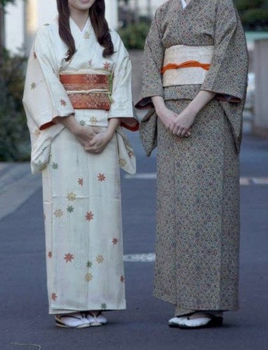 This culture of wearing kimono is practical although it looks that it need to take up spaces