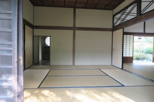 This room with tatami remind us the edo era