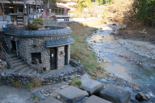 Kawara hot springs, a public bathe in Shima onsen