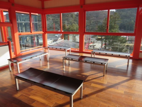 There is also an indoor break area near the main shrine with free wifi.