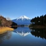 Shizuoka: Shiraito Falls and Tanuki Lake to the West of Mount Fuji