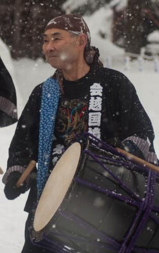 Wadaiko performance in snow