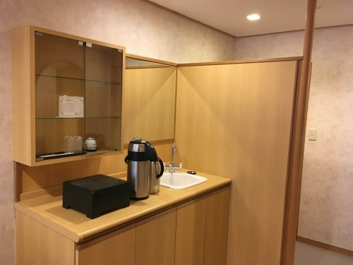 The mini kitchen in Yahata-ya ryokan in Fukushima prefecture