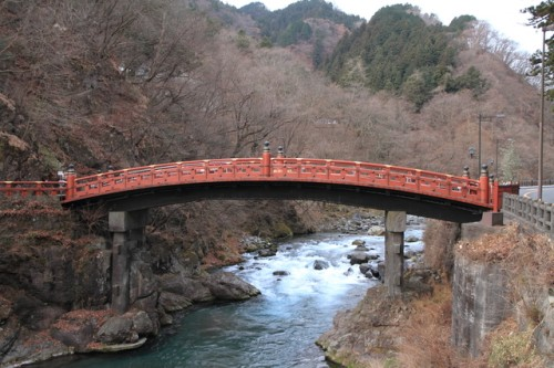 The Shinkyo Bridge in Nikko will take you back in time to the Edo period.