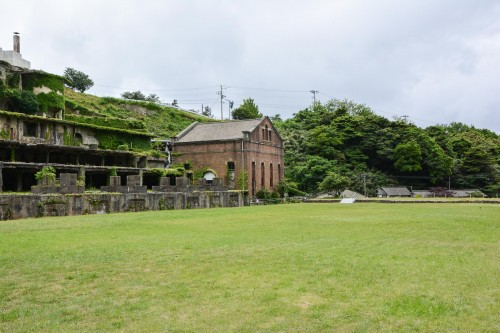 Kitazawa flotation plant (北沢浮遊選鉱場) has a set of facilities (such as a power plant) that have contributed to the modernization of the mines.