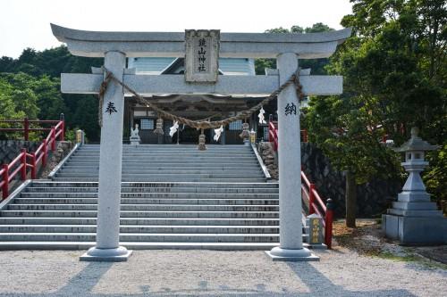 An another torii which also leads to the Kagamiyama shrine, Karatsu.