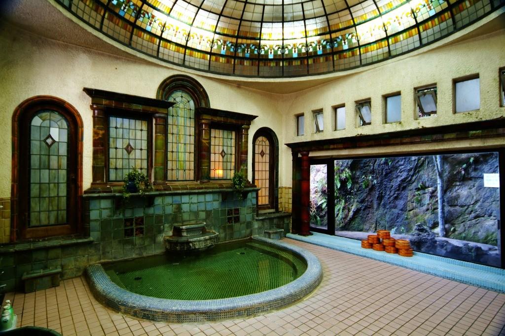s_国の有形文化財岩本楼ローマ風呂 (1)