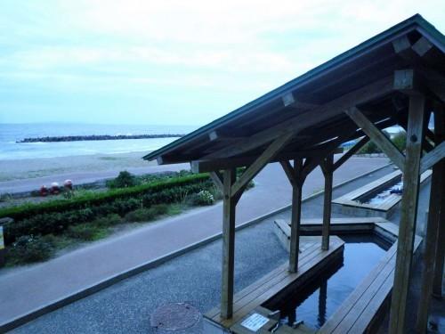 Foot onsen at the beach in Senami Onsen Murakami.