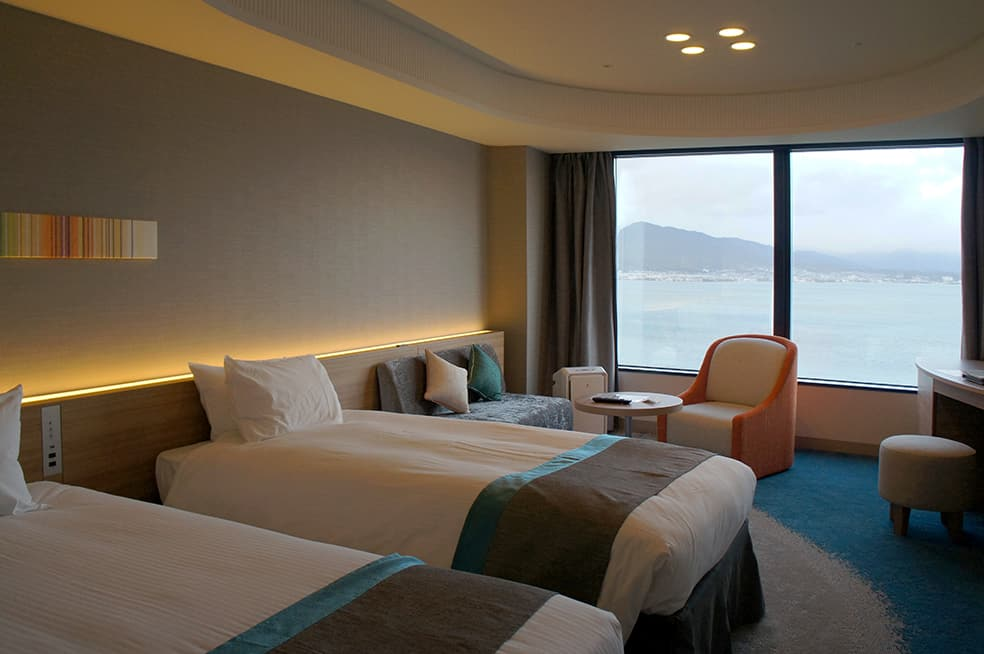Stay in a Luxurious Hotel Close to Kyoto, Lake Biwa Otsu Prince Hotel