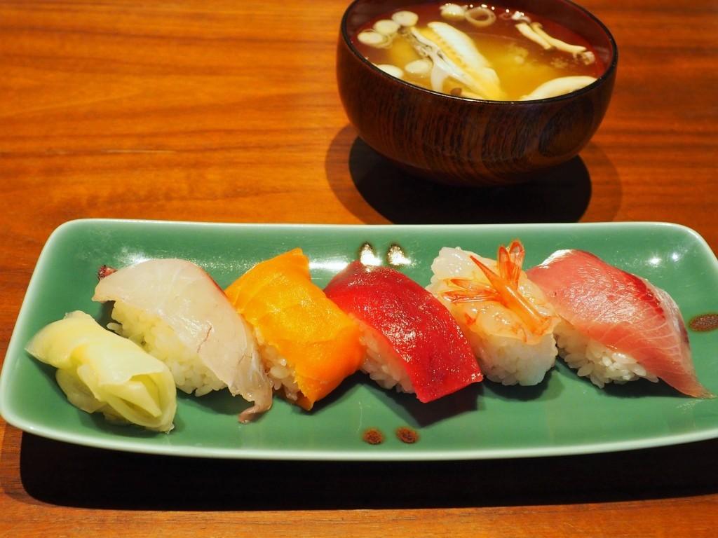 Sushi restaurant Manyo