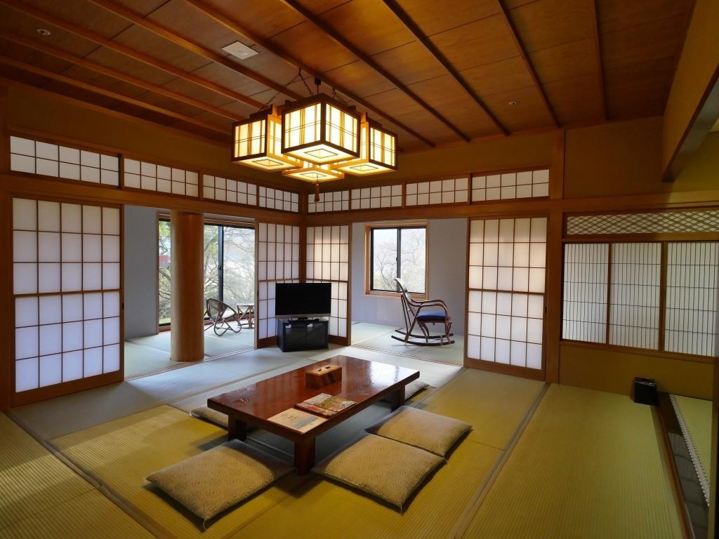 Ryuguden palace to enjoy onsen, along the lake Ashi, Hakone, Japan.