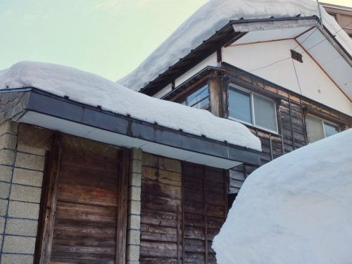 Snow on the roof at Echigo-Yuzawa.