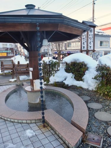 Enjoy an onsen footbath at Inamoto Hotel, Echigo-Yuzawa.