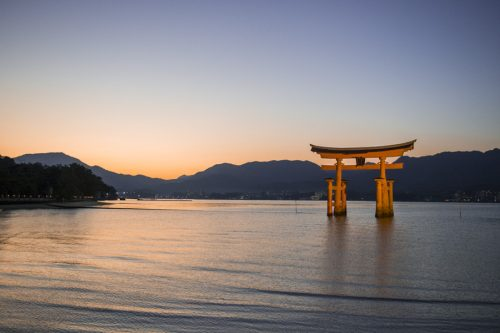 Miyajima's floating Torii Gate at Itsukushima Shrine, Hiroshima Prefecture, Japan.