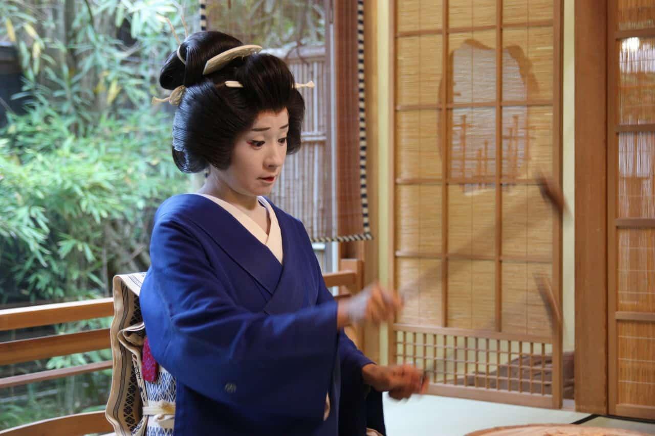 Meeting the Geishas of Niigata (Geigi)