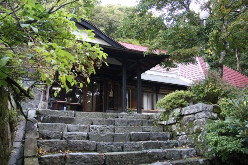 Spending the night in a shukubo (buddhist temple) on Mt Daisen