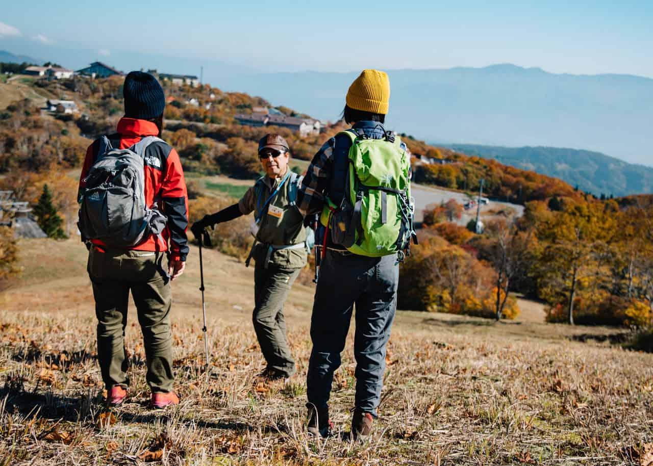 hikers on the shinetsu trail in nagano