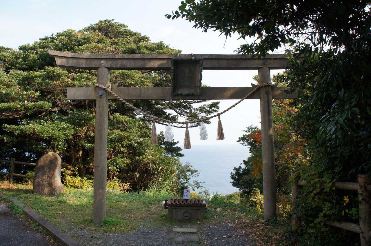 Torii facing the Sea of Japan