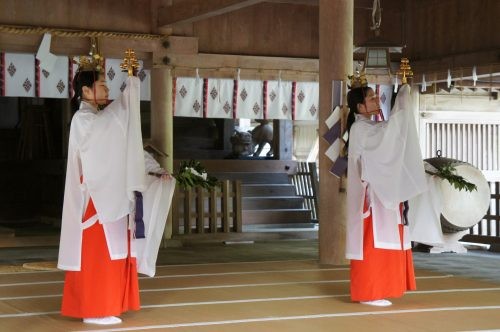 Morning Ritual at Miho-jinja Shrine, Mihonoseki, Shimane Prefecture, San'in Region, Japan