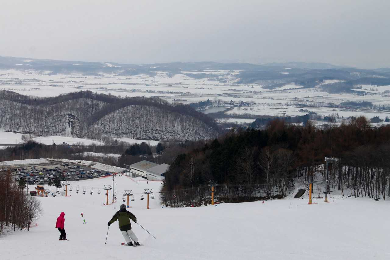 Experience the Kamui Ski Links, Amazing Powder Snow in Hokkaido