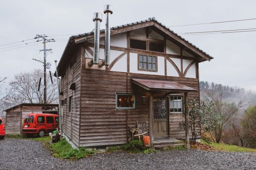 Mametake is a rustic cafe in the mountains of Nakatsu, Oita.