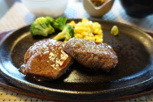 A lunch meal with wagyu beef at Nogami restaurant in Takachiho.
