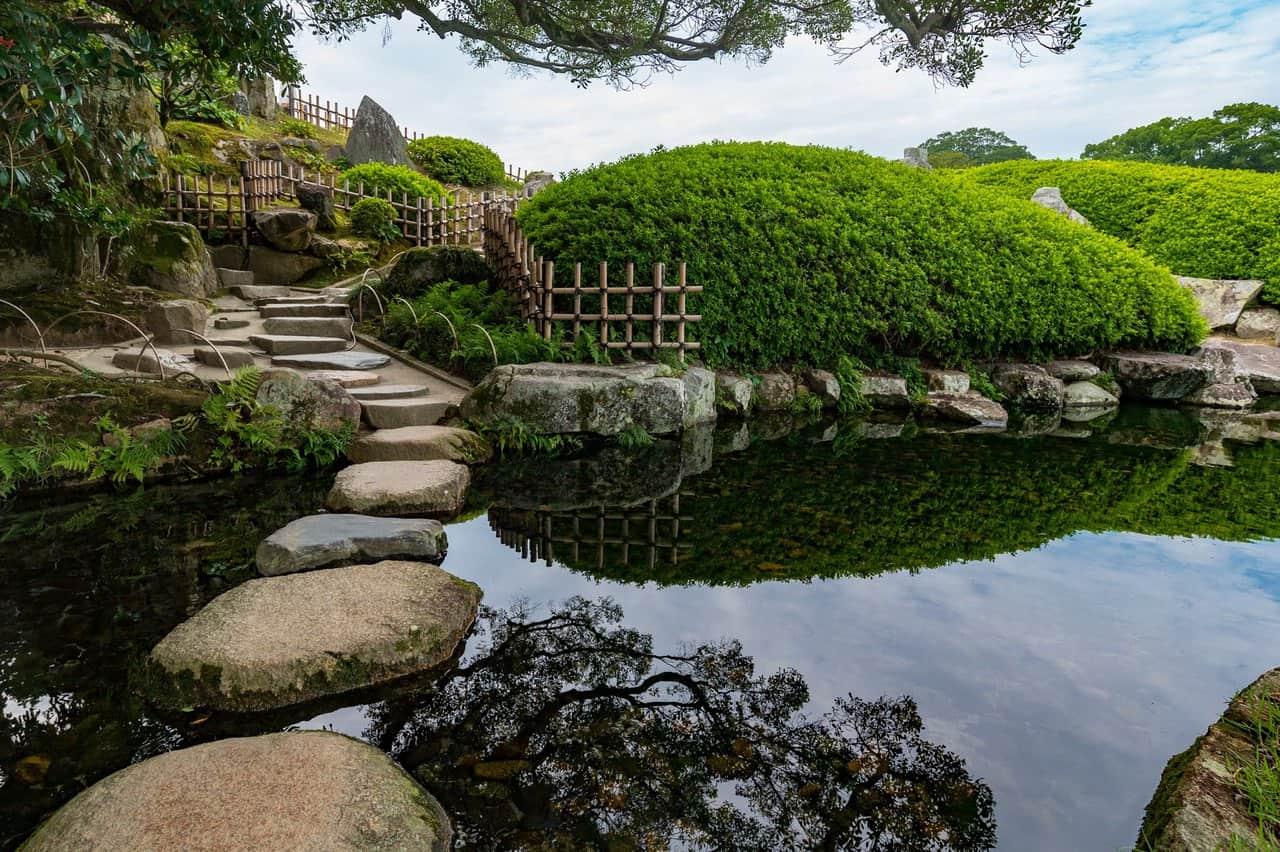 The Summer Beauty of Korakuen, Okayama's Premier Japanese Garden