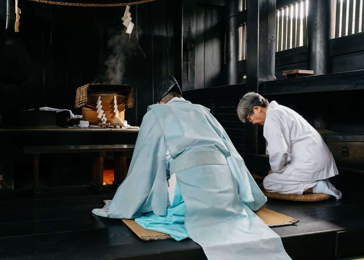 Okayama's Kibitsu Shrine – Get Your Fortune Told by… Rice and Monsters?
