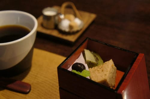 A dessert at Café Kotodama: gourmet coffee