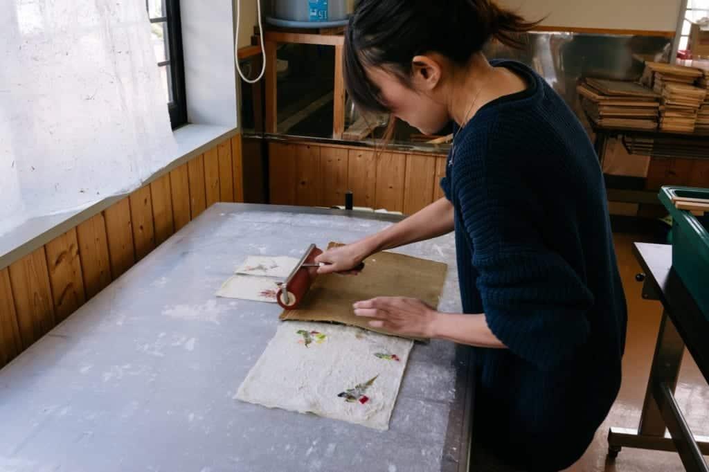 Uchiyama Washi paper making experience in Iiyama city