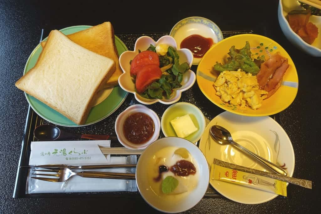 Western breakfast of the Yunoyado Motoyu ryokan club in Yuzawa, Akita prefecture