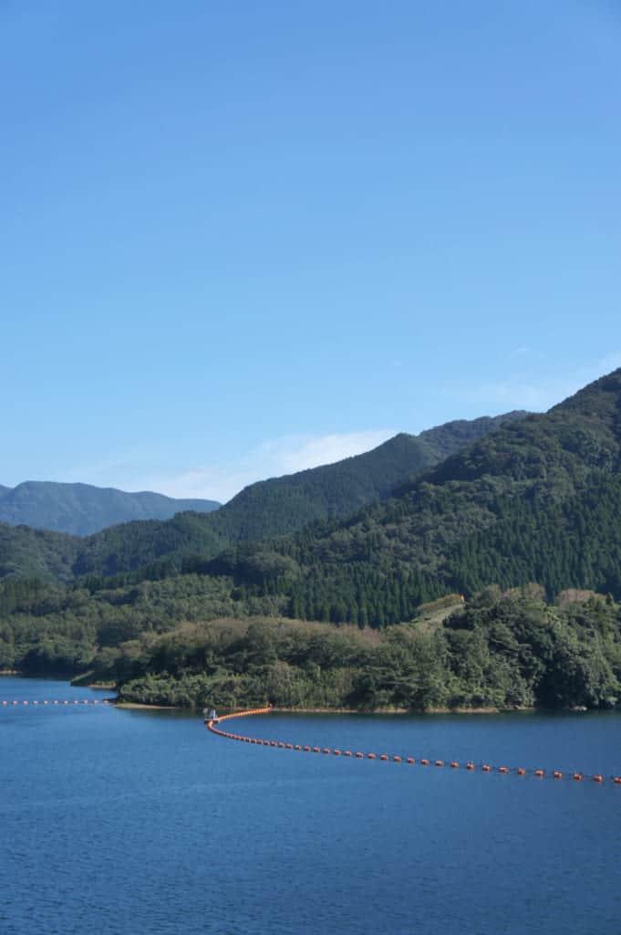 Ryumon dam in Kikuchi: lake side
