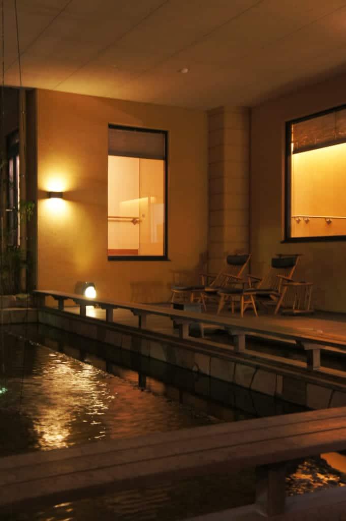The foot spa of Seiryuso ryokan in Yamaga Onsen