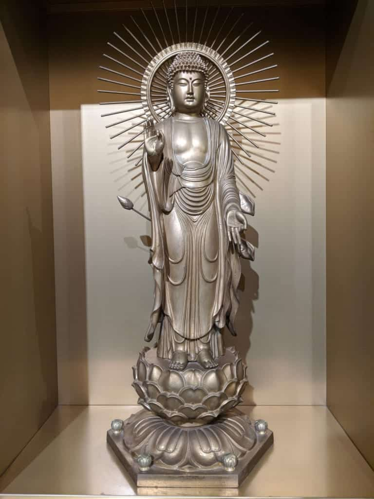 One of Ushiki Daibutsu's 3000 Golden Buddhas