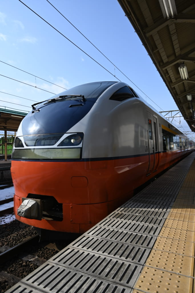 Train at Odate Station
