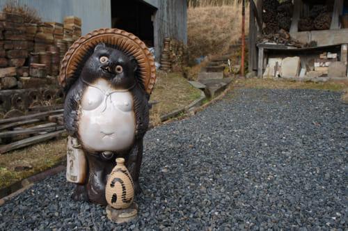 Ceramic tanuki statue in Shigaraki village