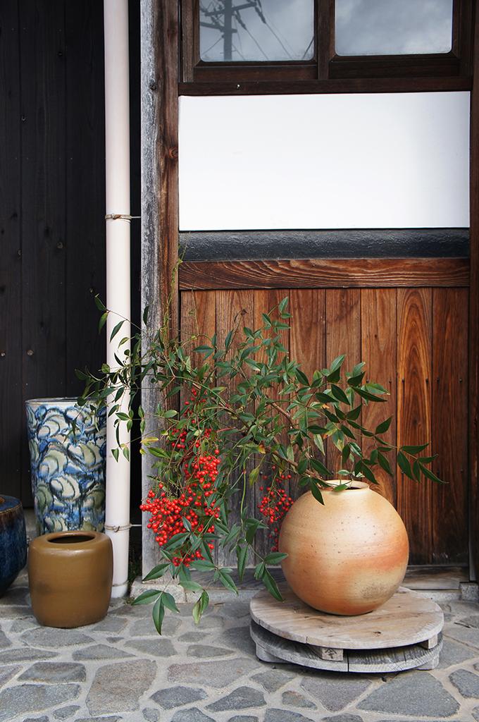 Beautiful Shigaraki pottery vase outside a cafe