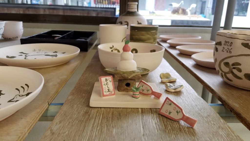 Choose your own Tobe ceramic at Tobecho Togei Sosakukan.