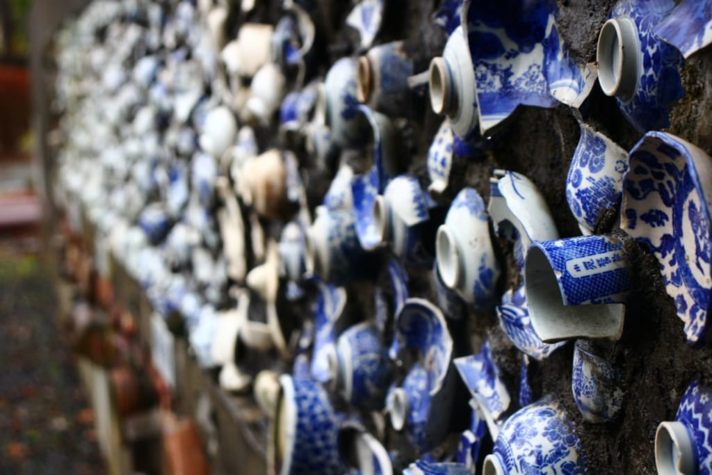 The history of Tobe ceramic and Japanese ceramic is explained here.