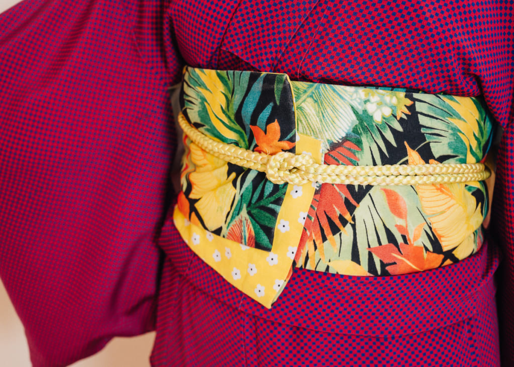 Close up of ayaayaskimono no tie obi